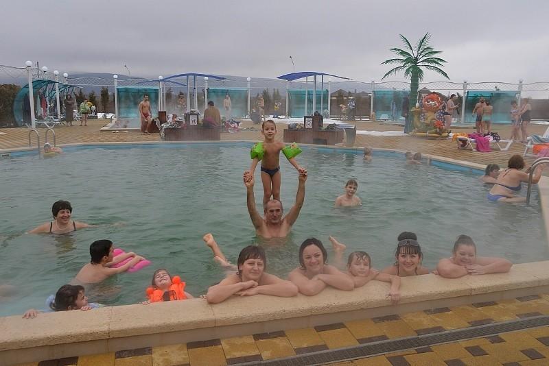 """Горячие бассейны термального комплекса """"Водная Ривьера"""": купание с детьми"""