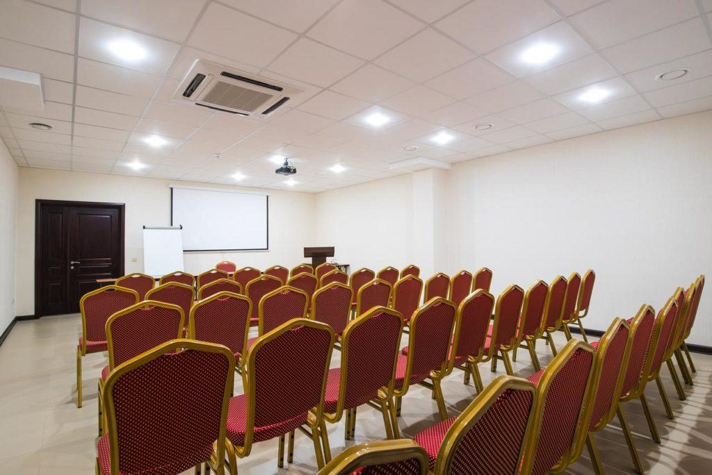Конференц-зал СПА-отеля Распутин в Мостовском