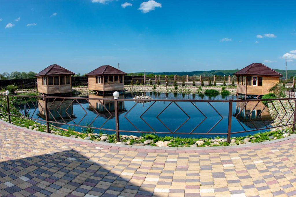 "Озеро на территории термального комплекса ""Аква Термо"""