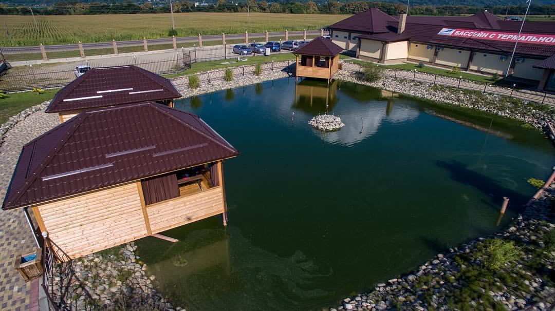 Беседки на озере на горячих источниках Аква Термо