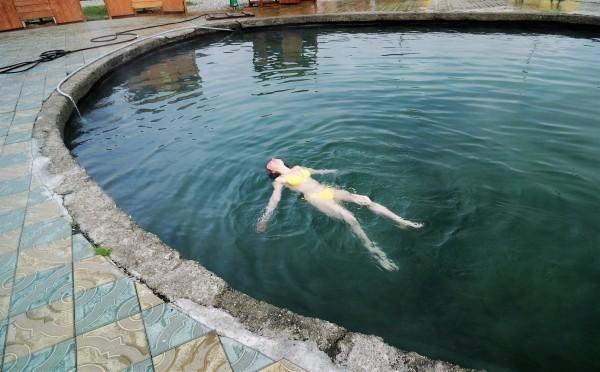Горячий бассейн источника Бирагзанг