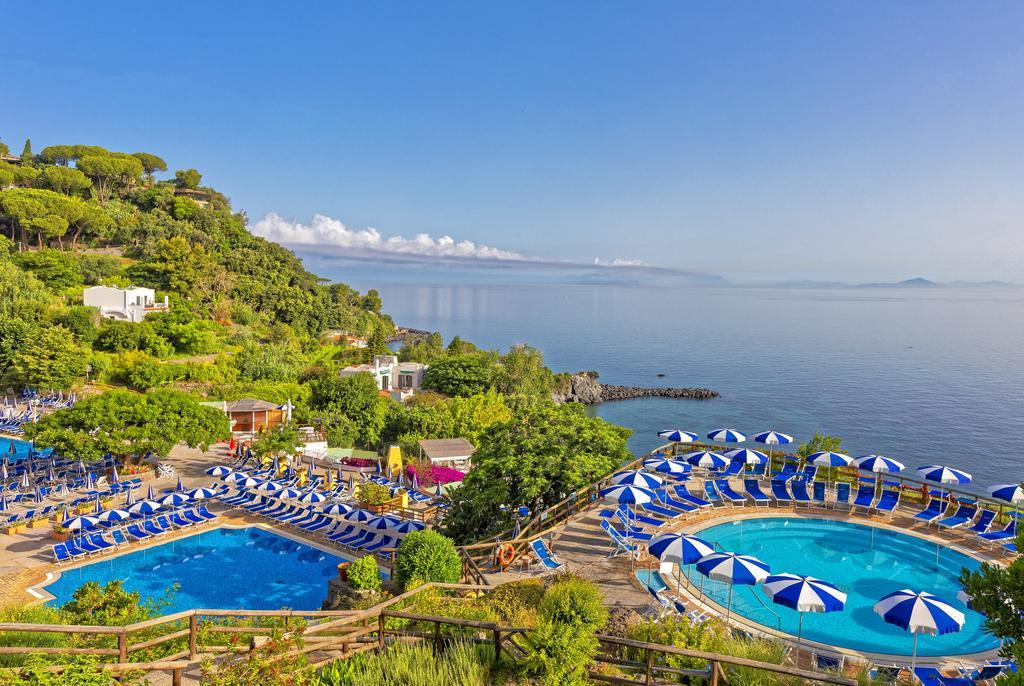 Отель на термальных источниках Оази Каститльоне на острове Искья
