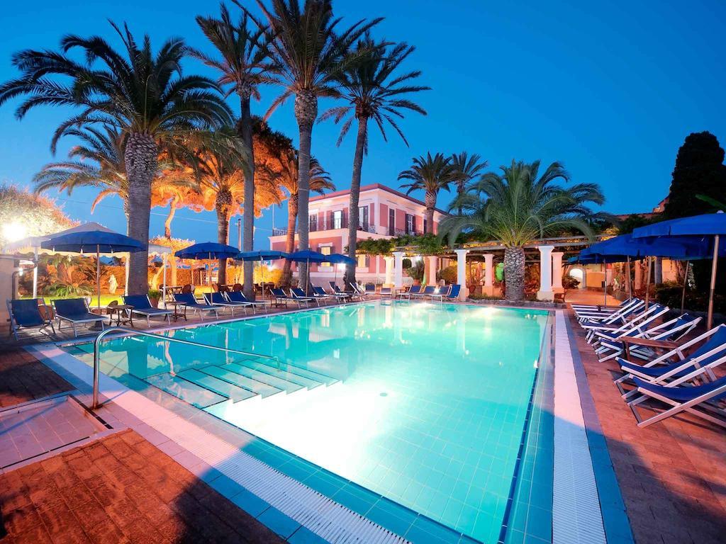 Отель с термальными бассейнами Villa Svizzera Terme 4* на Искье