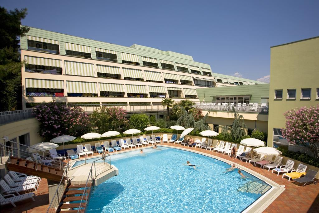 Отель Hotel Svoboda - Terme Krka на термальном курорте Струньян в Словении
